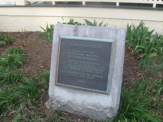 Thomas Wolfe Memorial: plaque