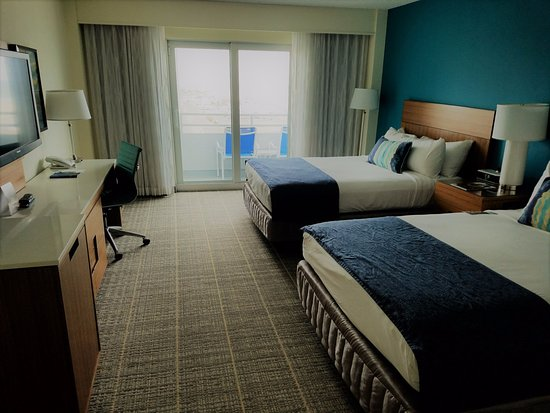 Ocean Place Resort & Spa: Warm room in February