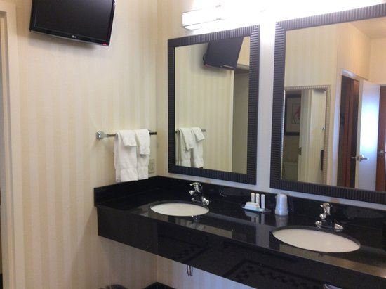 Kearney, NE: Double vanity (note television on wall for viewing from tub)