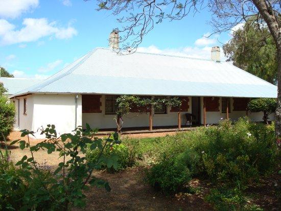 Pinjarra, Australia: Old Blythewood - front
