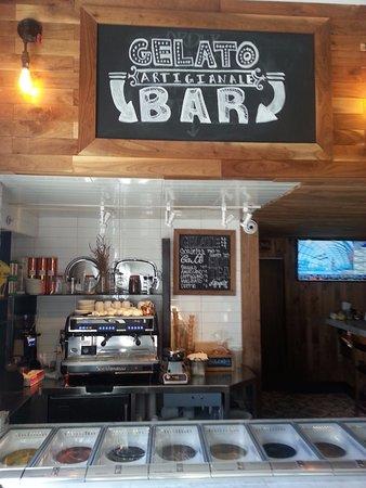 Dunwoody, จอร์เจีย: The gelato bar. It's all made in house! Whaaaaat? Yep.