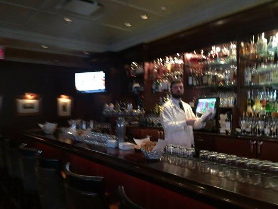 Grill 23 & Bar: bar