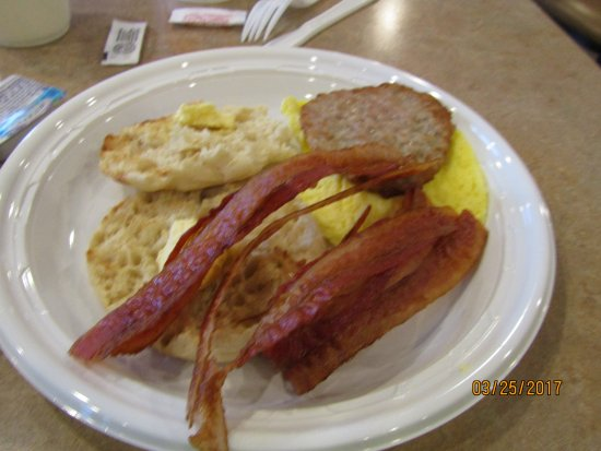 Quality Inn Central: Continental Breakfast