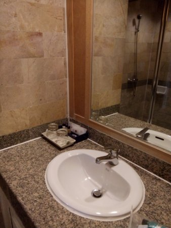 Poipet Resort Casino: clean, with toiletries