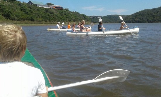 Morgan's Bay, Afrique du Sud : Canoeing with the kids on the Lagoon.