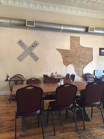 Lytle, TX: Railhead Cafe