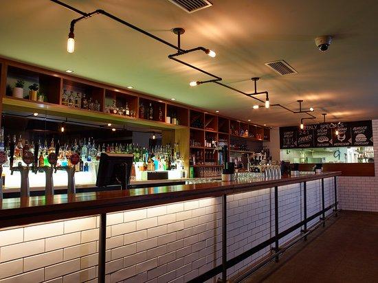 Richmond, Australia: Main bar