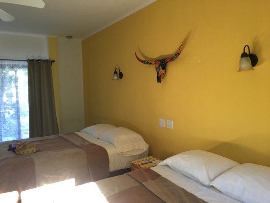 Hotel Los Pescadores: all rooms have double beds i believe