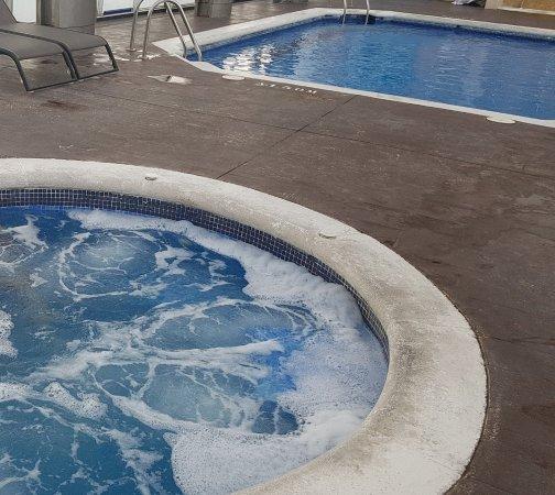 Jacuzzi y piscina azotea foto de amura alcobendas for Piscina de alcobendas