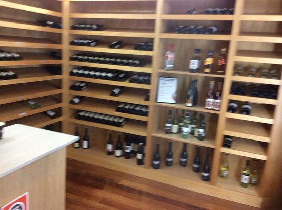 Oaks Cypress Lakes Resort: Restaurant wine cellar