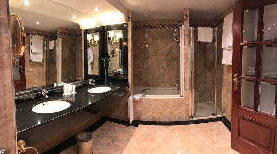 梅麗亞薩拉戈薩酒店照片