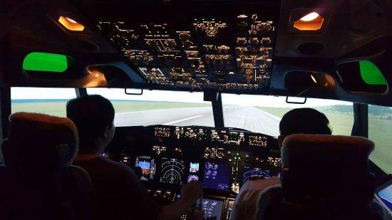 Flight Experience Bangkok: ห้องนักบิน