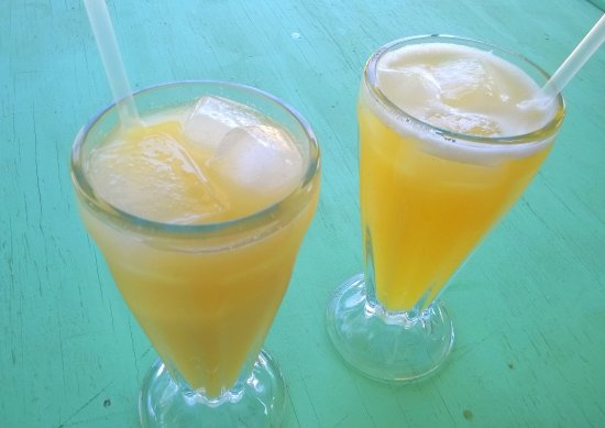 Punta Gorda, Belize: Pineapple and starfruit juices