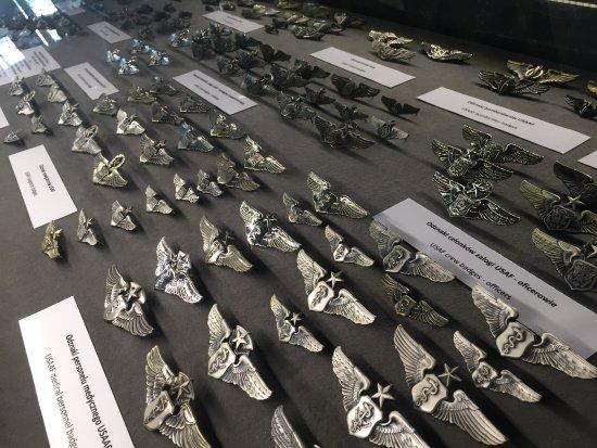 Muzeum Lotnictwa Polskiego: odznaki, ordery