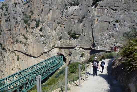 El Chorro, Spanien: Llegando a la entrada...