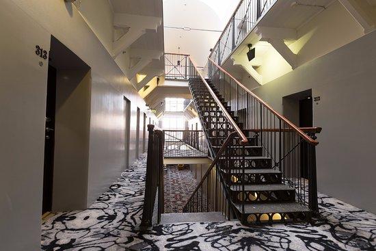 Hotel Katajanokka: Staircase