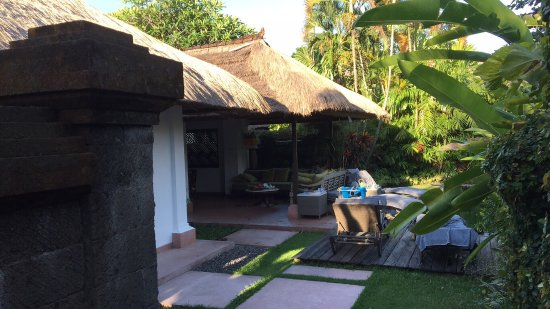 The Pavilions Bali: Outdoor living room