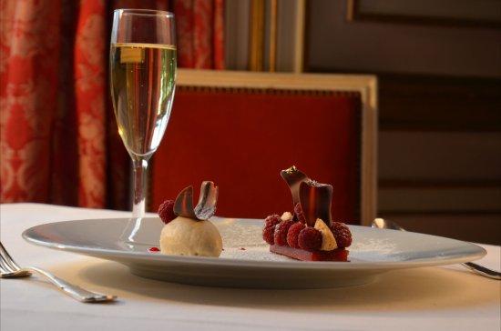 Chateau d'Artigny - Restaurant l'Origan : dessert printanier