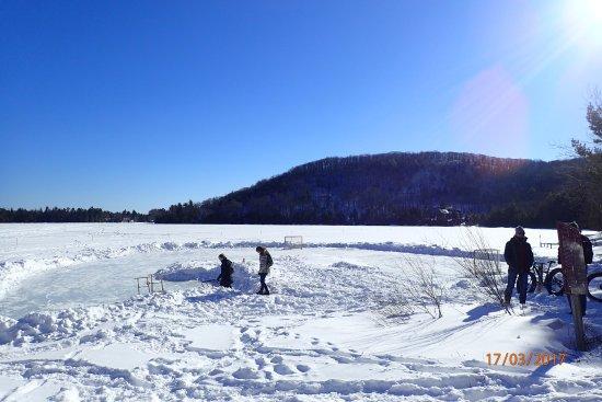 Saint Hippolyte, Canada: le lac