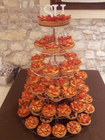 Lavagno, Italia: tartellette fragole, crema pasticcera e Nutella
