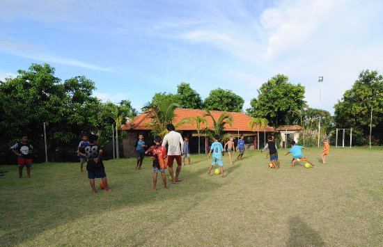 Resort Relax Bali: Football, bedminton & volleyball playground