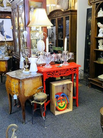 Chamblee Antiques & Interiors