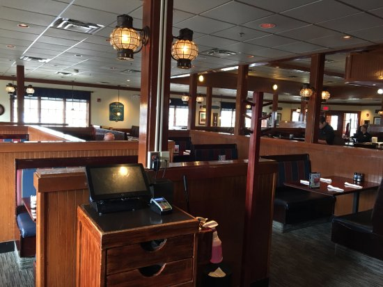 Liverpool, NY: Red Lobster - dining room