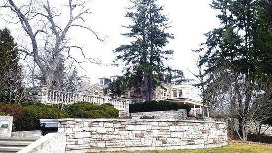 Paletta Lakefront Park and Mansion