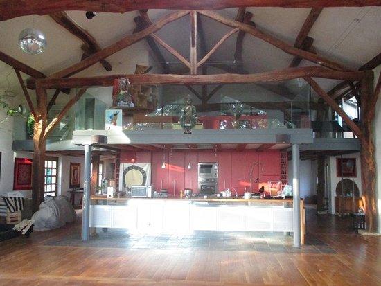 Chez Zen Holistic Retreats: Yoga/ Tanz/ Meditationsraum Im Haupthaus
