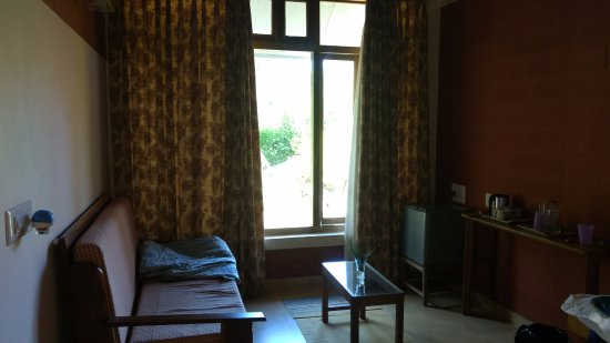 Kabbe Holidays: Has a large window facing the mountains