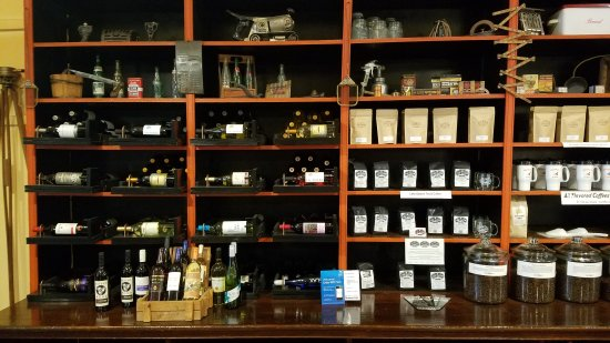 Warrenton, NC: Hardware Cafe