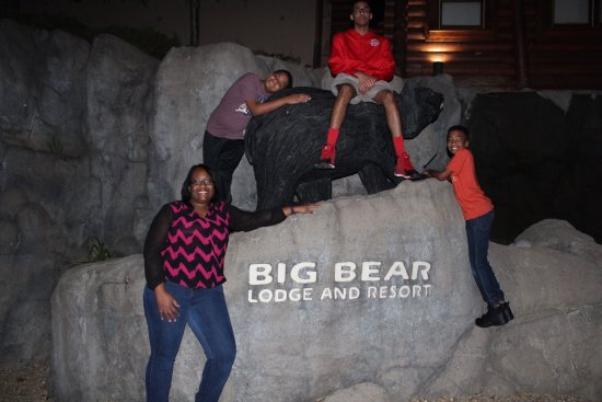 """Big Bear Lodge and Resort: McElroy Family Stay at the """"Got It All Y''all Cabin"""" #Springbreak2017"""