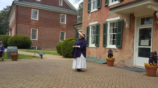 Charles City, VA: Donna, our guide into history of Berkeley Plantation.