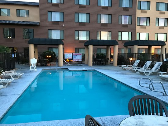 Oxford Suites Chico 119 1 4 Updated 2017 Prices Hotel Reviews Ca Tripadvisor