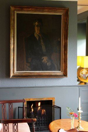 Blairscove House & Restaurant: Family portraits in the bar