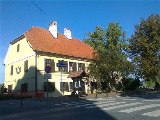 Sisak, Croatia: Mali kaptol