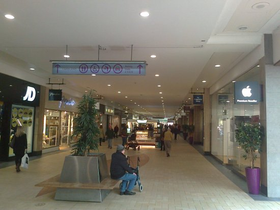 Sutton Coldfield, UK: the main shopping mall