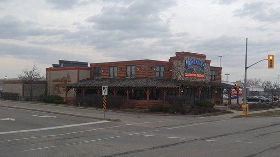 Montana's BBQ & Bar: Exterior