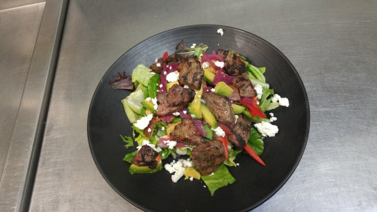 Montana's BBQ & Bar: Steak Salad with house creamy vinaigrette dressing