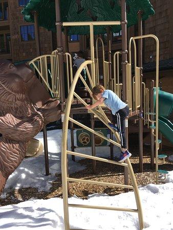 Grand Lodge on Peak 7: Play park outside