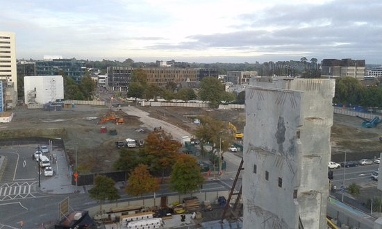 Novotel Christchurch Cathedral Square Hotel: View of cleared area in City Centre with new construction in foregraound