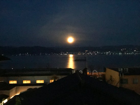 Hotel Sagi no Yu: 夜明け前の諏訪湖