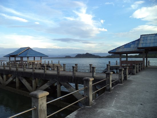 Ranong, Thailandia: bang ben pier 400 m. from the resort