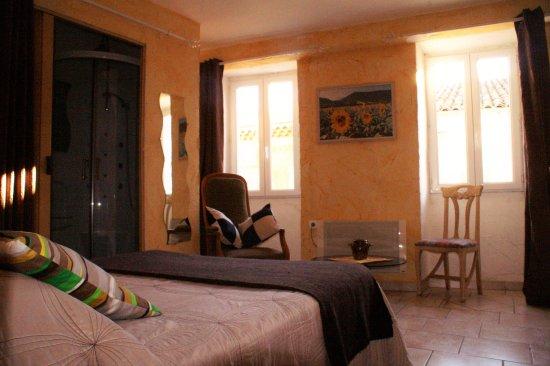 Chambre double spacieuse de l'Hôtel** Les Jeunes Chefs