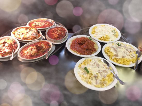 Vincent's Italian Restaurant: Pasta dishes and pizzas!