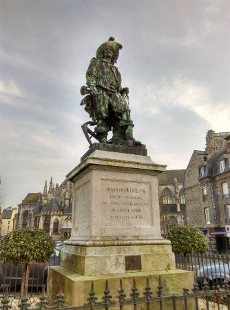 Statue d'Abraham Duquesne