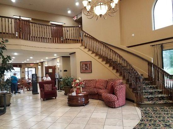 Best Western Plus Victoria Inn & Suites: Lobby Enterance