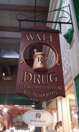 Wall Drug Store Cafe: Inside