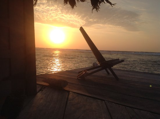 Glover's Atoll Resort: Reading, looking at stars or just meditating, what a great place!
