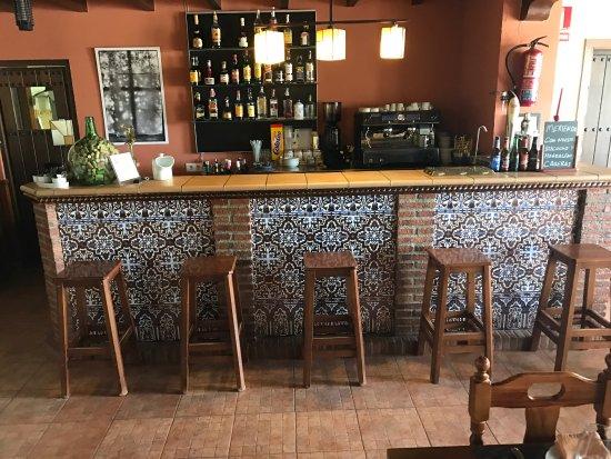 Villanueva de Tapia, Spanyol: The lobby bar and patio